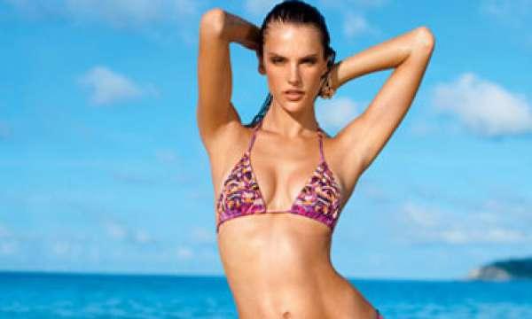 8392b9eb0 Giovanna Ewbank escolhe blusa transparente e deixa sutiã à mostra ...