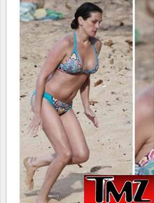 Julia Roberts Bikini Pics