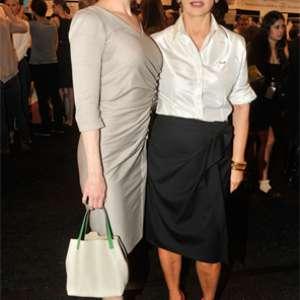 fc4d1e04befef Renée Zellweger prestigia estilista Carolina Herrera
