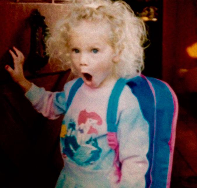 A cantora revirou o baú e postou uma foto sua de quando era criança em sua  conta do Twitter 20c6677926