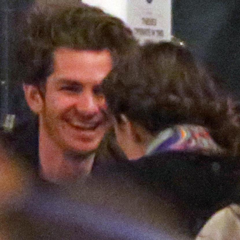Após término com Emma Stone, Andrew Garfield é visto em ... Andrew Garfield 2016