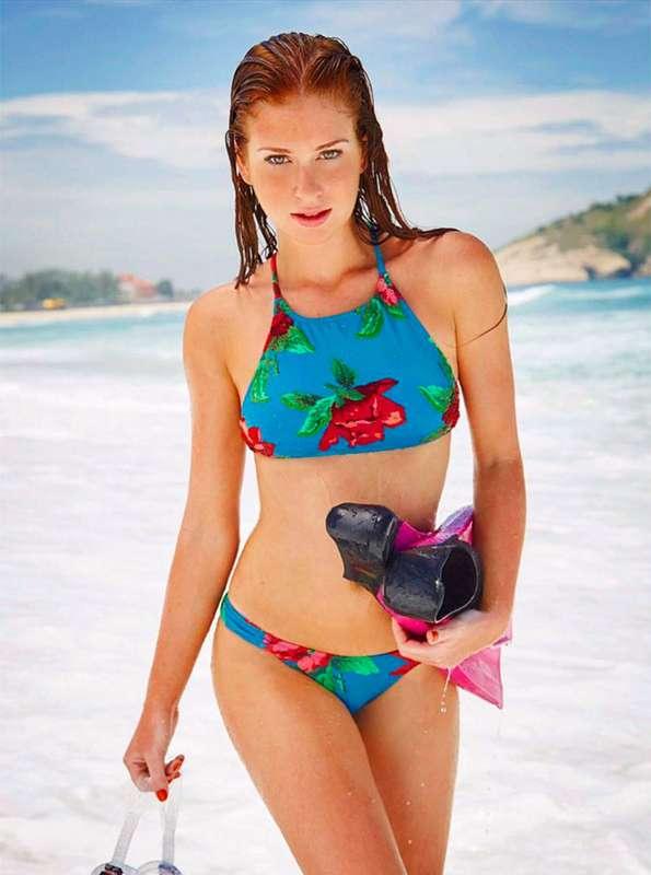 9a5070e7e Confira imagens de celebridades que arrasam na praia ou na piscina com a  boa forma em modelitos sexy!