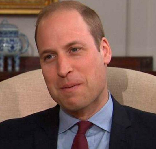 Príncipe William diz que a Rainha Elizabeth foi inspiração após a morte da mãe, a princesa Diana