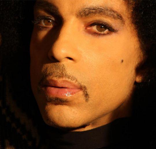 Prince enfrentou problemas financeiros por anos antes de sua morte, afirma site