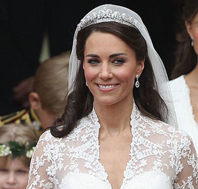 Cabelereiro de Kate Middleton durante o casamento real conta como ela
