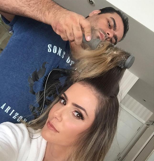 A atriz deixou em casa o marido e a filha, Maria Flor, e mostrou que é  muito sexy e02b0182e9