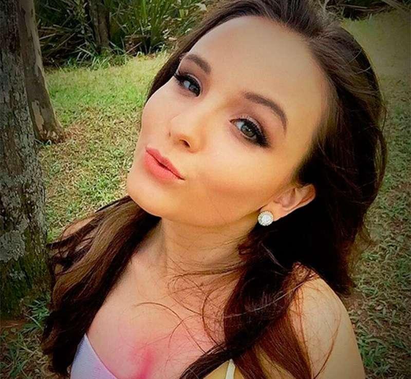 A atriz, que brilhou na novela Cúmplices de um Resgate, começou bem cedinho  e continua arrasando 52a0e53742