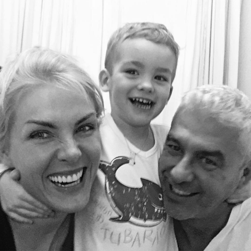 3cff10f2a15e4 Ana Hickmann já provou diversas vezes que é uma ótima mãe. Vira e mexe ela  posta alguma foto com o primeiro filho em seu. Instagram.