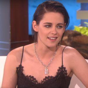 Kristen Stewart revela que estava em uma fase desconfortável ao atuar em Crepúsculo