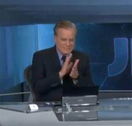 Chico Pinheiro encerra Jornal Nacional batendo palmas, entenda!