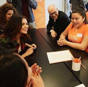 Selena Gomez participa de projeto voluntário para empoderar garotas, saiba mais!