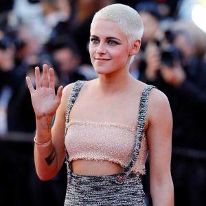 Kristen Stewart celebra mudanças nas regras de vestimenta do Festival de Cannes