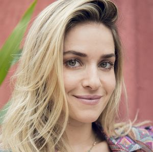 Monique Alfradique está no elenco da próxima novela das sete, Deus Salve o Rei