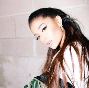 Ariana Grande se pronuncia após explosões que mataram 19 pessoas em seu show, veja