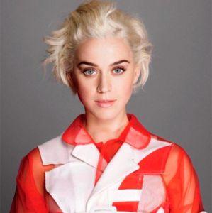 Katy Perry fala sobre sexualidade e declara: - Eu devo ter aberto um chakra em meus quadris
