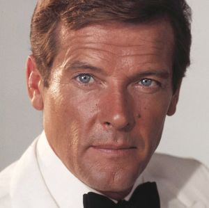 Morre o intérprete de 007, Roger Moore, aos 89 anos de idade