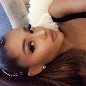 Após ataque terrorista em show, Ariana Grande está traumatizada