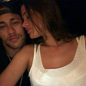 Fernanda Souza elege Neymar como melhor namorado de grupo de famosos, entenda!