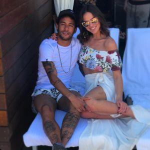 Em leilão beneficente, Neymar confirma término de namoro com Bruna Marquezine