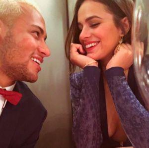 No primeiro fim de semana após término, Neymar e Bruna Marquezine curtem festas separados