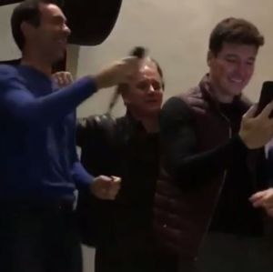 Em festa com Ticiane Pinheiro, Cesar Tralli e Rodrigo Faro cantam muito em karaokê, veja o vídeo!