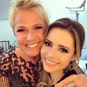 Xuxa e Sandy cantam juntas nos bastidores do Dancing Brasil, veja!