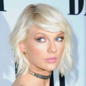 Sumida da mídia, Taylor Swift reaparece para premiação esportiva, entenda!