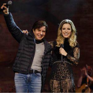 Em show de Sandy, Xororó sobe ao palco para cantar Evidências e A Lenda, assista!