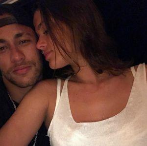 Neymar curte fotos com Bruna Marquezine e fãs renovam as esperanças no retorno do casal, confira!