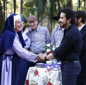 Padre Fábio de Melo faz visita ao internato em Carinha de Anjo!