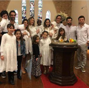 Bruno Gagliasso e Giovanna Ewbank batizam Titi, veja fotos!