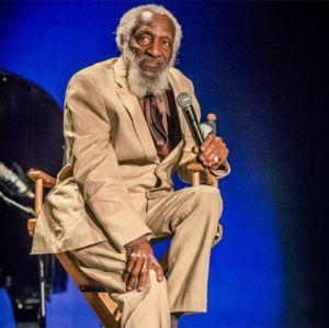 Morre Dick Gregory, comediante e ativista, aos 84 anos de idade