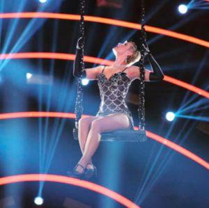 No Dancing Brasil, Xuxa Meneghel dá um verdadeiro show ao som de Moulin Rouge