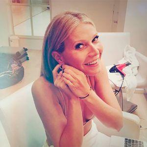 Gwyneth Paltrow. Foto do site da Entretenimento R7 que mostra Gwyneth Paltrow publica foto do ex, Chris Martin, e atual namorado juntos: Família moderna