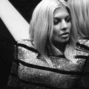 Fergie. Foto do site da Entretenimento R7 que mostra Fergie fala sobre ter tido problema com drogas:  Eu estava alucinando todos os dias