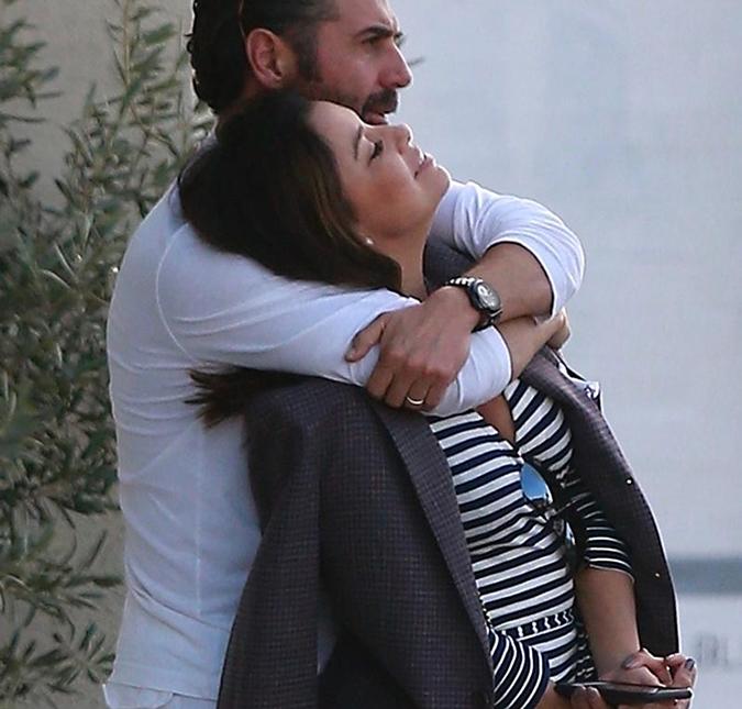 Eva Longoria está grávida de seu primeiro filho - Estrelando d8b909290f