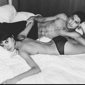 Carla Salle. Foto do site da Entretenimento R7 que mostra Carla Salle e Gabriel Leone fazem ensaio sensual juntos. Veja celebridades que amam posar na cama!