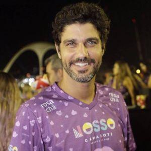 Aproveita. Foto do site da Entretenimento R7 que mostra Bruno Cabrerizo, de Tempo de Amar, aproveita vida de solteiro no Carnaval. Veja outros casais que terminaram a relação em 2018