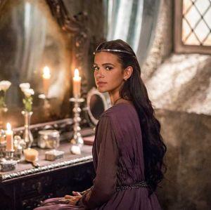 Todos os famosos. Foto do site da Entretenimento R7 que mostra Catarina decide fazer uma visita a Afonso na pedreira, para que ele a veja como aliada em Deus Salve o Rei