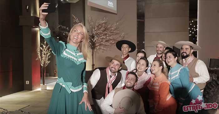 Ana Hickmann ganha festa surpresa tipicamente gaúcha, assista ao vídeo! -  Estrelando ba0f94d40b