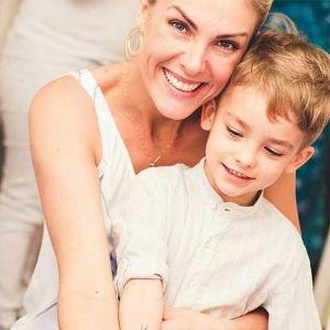 3c8575d3b82da Ana Hickmann faz homenagem no dia do aniversário do filho! Veja os melhores  momentos dela como mãe!