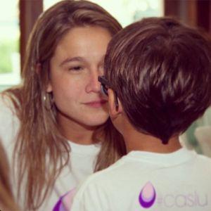 Fernanda Gentil. Foto do site da Entretenimento R7 que mostra Fernanda Gentil publica foto de filho mais velho e se declara: Eu te amo com toda a força da minha alma