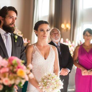 Saiba Lado. Foto do site da Entretenimento R7 que mostra Saiba como será o casamento de Clara e Renato em O Outro Lado do Paraíso