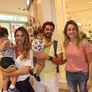 Fernanda Gentil. Foto do site da Entretenimento R7 que mostra Fernanda Gentil, Rafa Brites e Felipe Simas levam os filhos para evento em shopping, confira!
