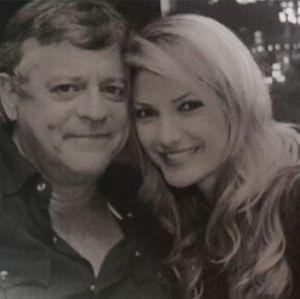 Marcos. Foto do site da Entretenimento R7 que mostra Antonia Fontenelle publica foto ao lado de Marcos Paulo: Moço bonito