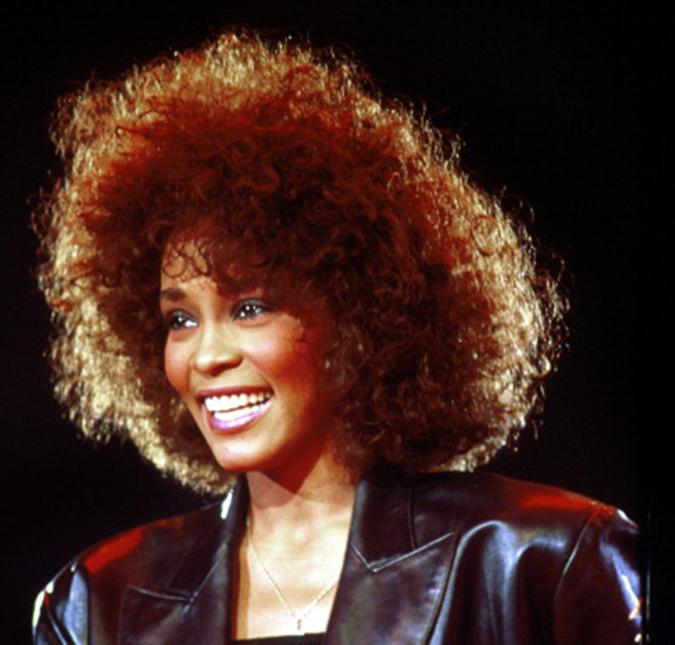 Whitney Houston teria sido molestada por sua prima quando mais nova,  segundo documentário - Estrelando