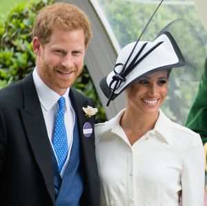 Entrada de Meghan Markle para a família real aumentou as despesas em sete  milhões de reais! 870a369e7ed