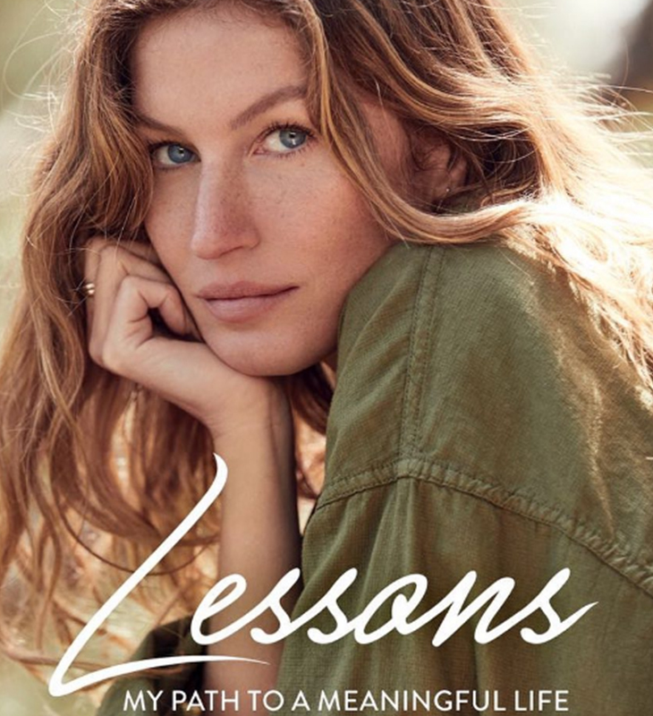 Em seu livro Lessons  My Path to a Meaningful Life, a modelo relata os  momento difíceis que precisou enfrentar 3a3eec36cf