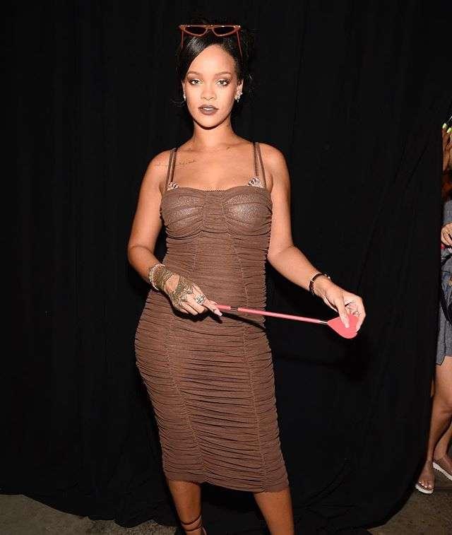 5bbccac8b Rihanna rouba a cena na NYFW com o desfile de sua grife de lingerie.  Confira tudo o que está rolando na semana de moda!