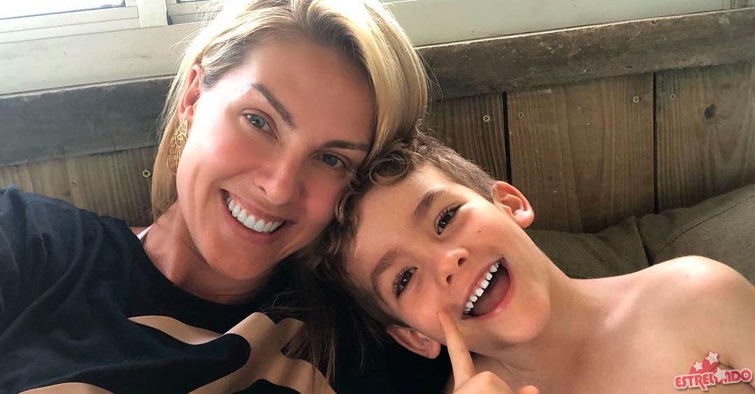 Sem maquiagem, Ana Hickmann mostra rotina matinal para acordar o filho -  Estrelando 4f42a923d1